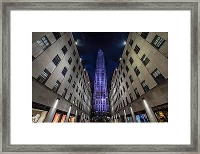 Rockefeller Center - New York - New York - Usa 4 Framed Print by Larry Marshall