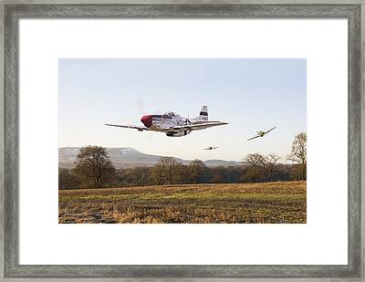 Through The Gap Framed Print by Pat Speirs