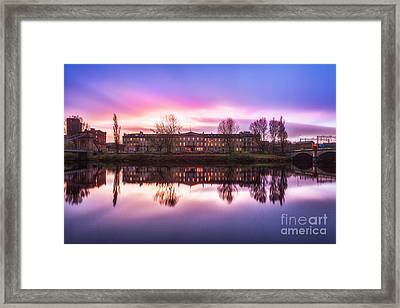 Carlton Place Glasgow Framed Print by John Farnan
