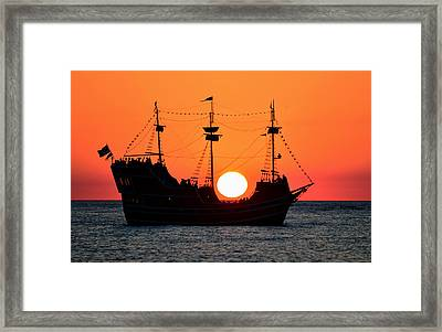 Catching The Sun Framed Print by David Lee Thompson
