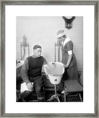 Hospital Hydrotherapy, 1920s Framed Print by Science Photo Library