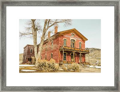 Hotel Meade Framed Print by Sue Smith
