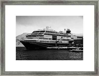 hurtigruten ms midnatsol berthed in Honningsvag harbour Framed Print by Joe Fox