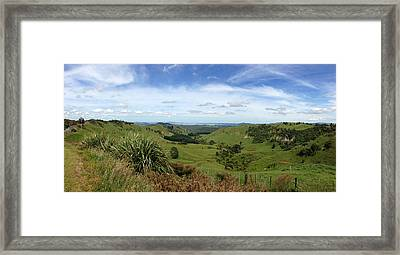 New Zealand Scene Framed Print by Les Cunliffe