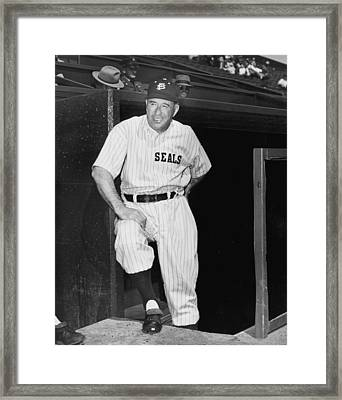 Sf Seals Manager Lefty O'doul Framed Print by Underwood Archives