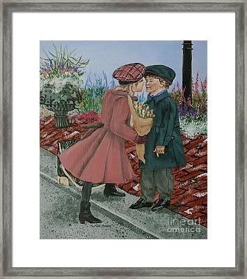 The Kiss Framed Print by Linda Simon