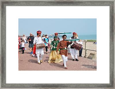 The Musafir Gypsies Of Rajasthan Framed Print by David Fowler