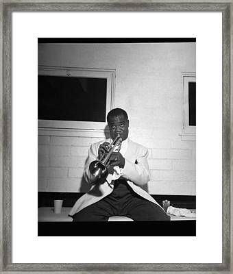 Trumpeter Louis Armstrong Framed Print by Underwood Archives