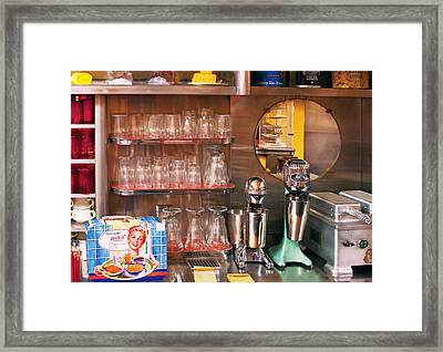 1950's - Diner - A 1950's Diner Framed Print by Mike Savad