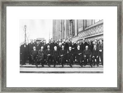1st Solvay Conference On Chemistry, 1922 Framed Print by Science Photo Library