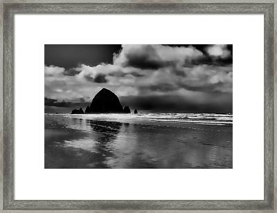 Cannon Beach - Oregon Framed Print by David Patterson