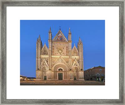 Europe, Italy, Umbria, Orvieto, Orvieto Framed Print by Rob Tilley