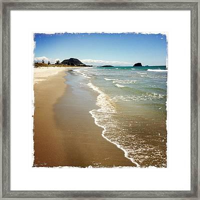 Beach Framed Print by Les Cunliffe