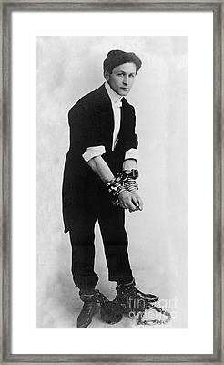 Harry Houdini, Hungarian-american Framed Print by Photo Researchers