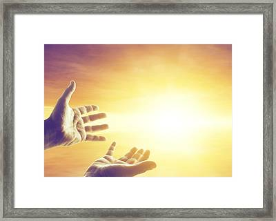 Hope Framed Print by Les Cunliffe