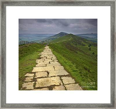 The Great Ridge Derbyshire Framed Print by Darren Burroughs