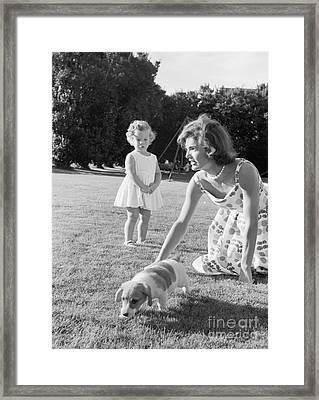 Jacqueline And Caroline Kennedy At Hyannis Port 1959 Framed Print by The Phillip Harrington Collection