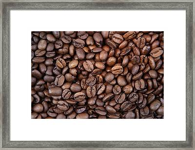 Coffee Beans Framed Print by Les Cunliffe
