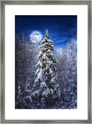 A Cold Night In Northern Maine Framed Print by Gary Smith