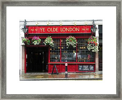 A Rainy Day In London Framed Print by Mel Steinhauer