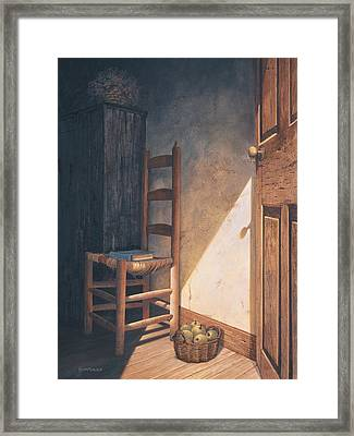A Warm Welcome Framed Print by Michael Humphries