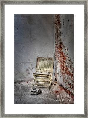 Abandoned But Not Forgotten Framed Print by Susan Candelario