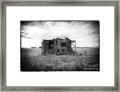 Abandoned Lbi Framed Print by John Rizzuto