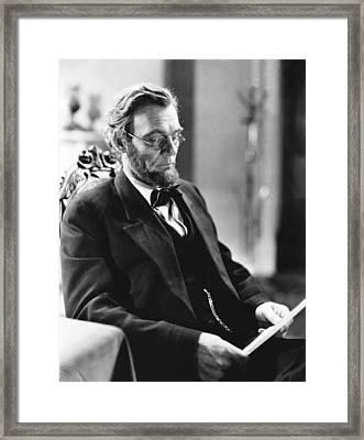 Abraham Lincoln, Walter Huston, 1930 Framed Print by Everett