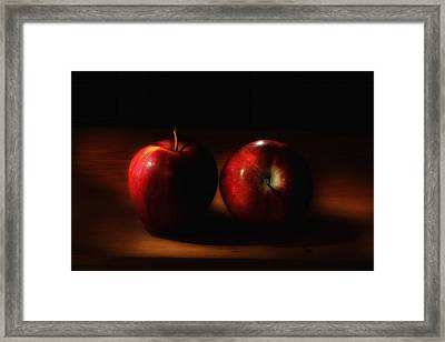 Aeromatic Red Delicious Apples In The Light From The Kitchen Window Framed Print by Wendy Thompson