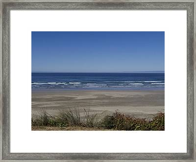 Agate Beach Lookout Framed Print by Thaimi Mayes