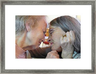 Alzheimer's Patient With Her Daughter Framed Print by Tony Craddock