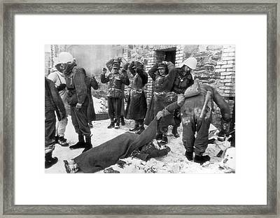 American Soldiers At Wwii Front Framed Print by Underwood Archives