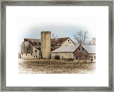 Amish Farm In Etheridge Tennessee Usa Framed Print by Kathy Clark