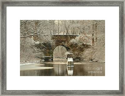 An Arched Stone Bridge Framed Print by Linda Jackson