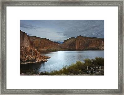 Apache Trail Canyon Lake Framed Print by Lee Craig