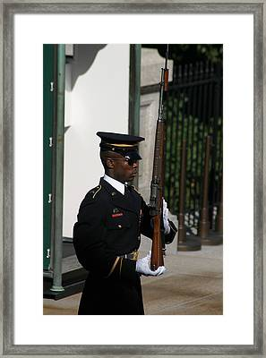 Arlington National Cemetery - Tomb Of The Unknown Soldier - 12122 Framed Print by DC Photographer