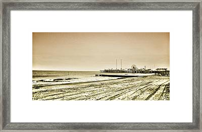 Atlantic City Beach In Sepia Framed Print by Bill Cannon