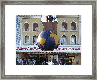 Atlantic City - Ripleys Believe It Or Not - 01139 Framed Print by DC Photographer