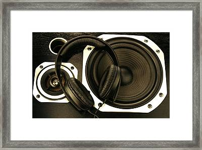 Audio Sound Framed Print by Les Cunliffe