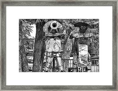 Austin Musical Duo Bw Framed Print by Linda Phelps