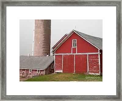 Barns And Silo Framed Print by David Bearden