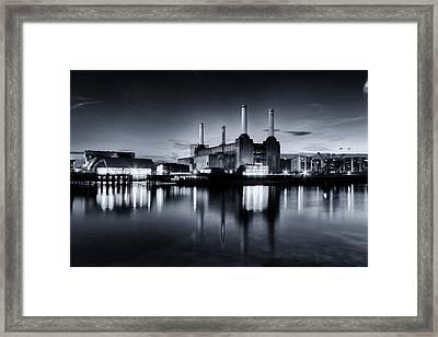 Battersea Blues Framed Print by Ian Hufton