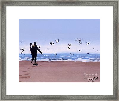 Beach Buddies Framed Print by Suzanne Schaefer