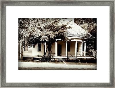 Bellavue Plantation  Framed Print by Debra Forand