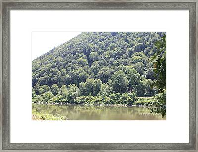 Bend Of The Delaware Water Gap Framed Print by John Telfer