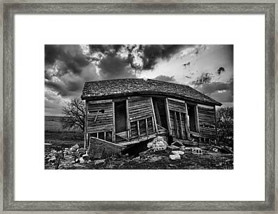 Bent Farmstead Framed Print by Thomas Zimmerman