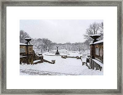 Bethesda Fountain In Central Park Framed Print by Susan Candelario