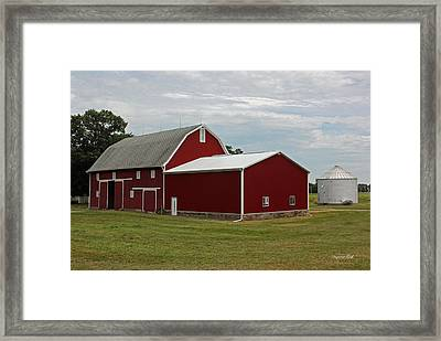 Big Red Barn - Carroll County Indiana Framed Print by Suzanne Gaff