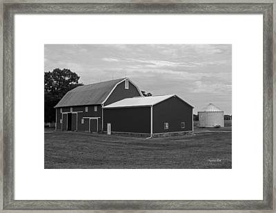 Big Red Barn In Black And White Framed Print by Suzanne Gaff