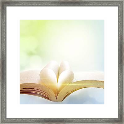 Booklight Framed Print by Les Cunliffe